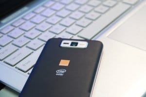 Smartphon Intela
