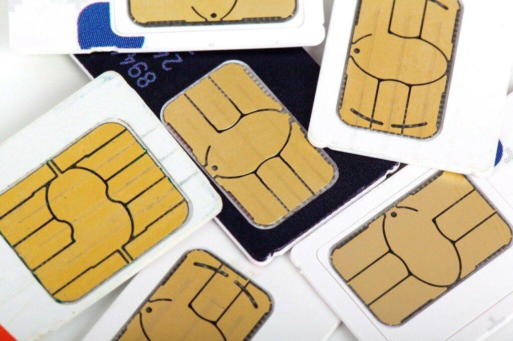 Co warto wiedzieć o kartach SIM?
