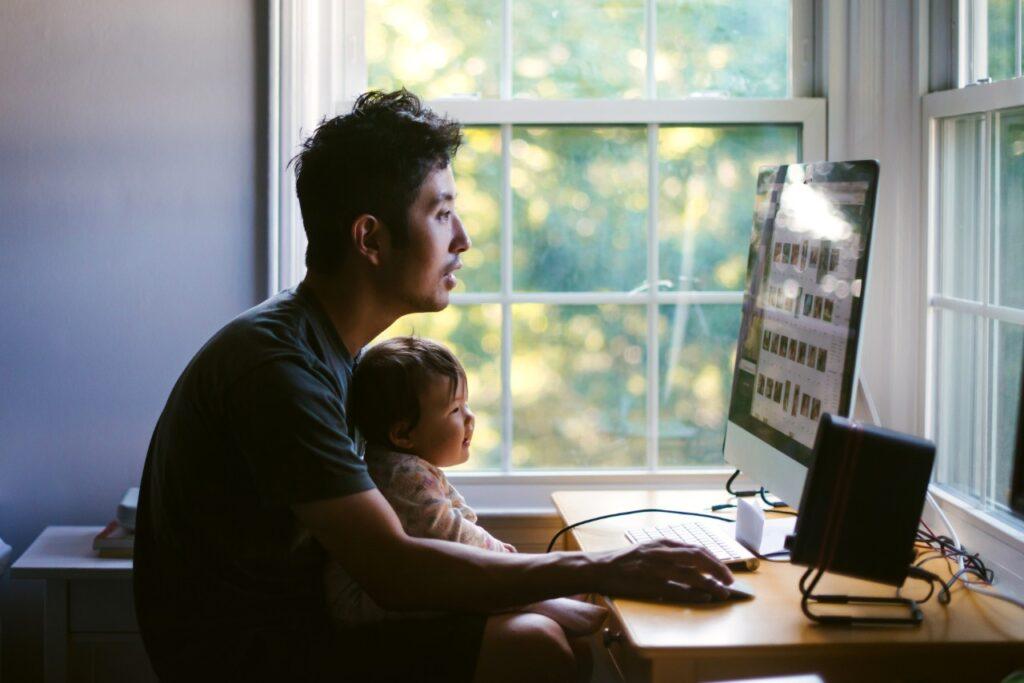 Jak pracować zdalnie z dziećmi w domu