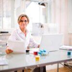Praca zdalna ? jak stworzyć domowe biuro dostosowane do indywidualnych potrzeb?