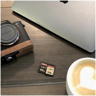 Robisz dużo zdjęć podczas wakacji? To 3 gadżety idealne dla Ciebie - karta pamięci