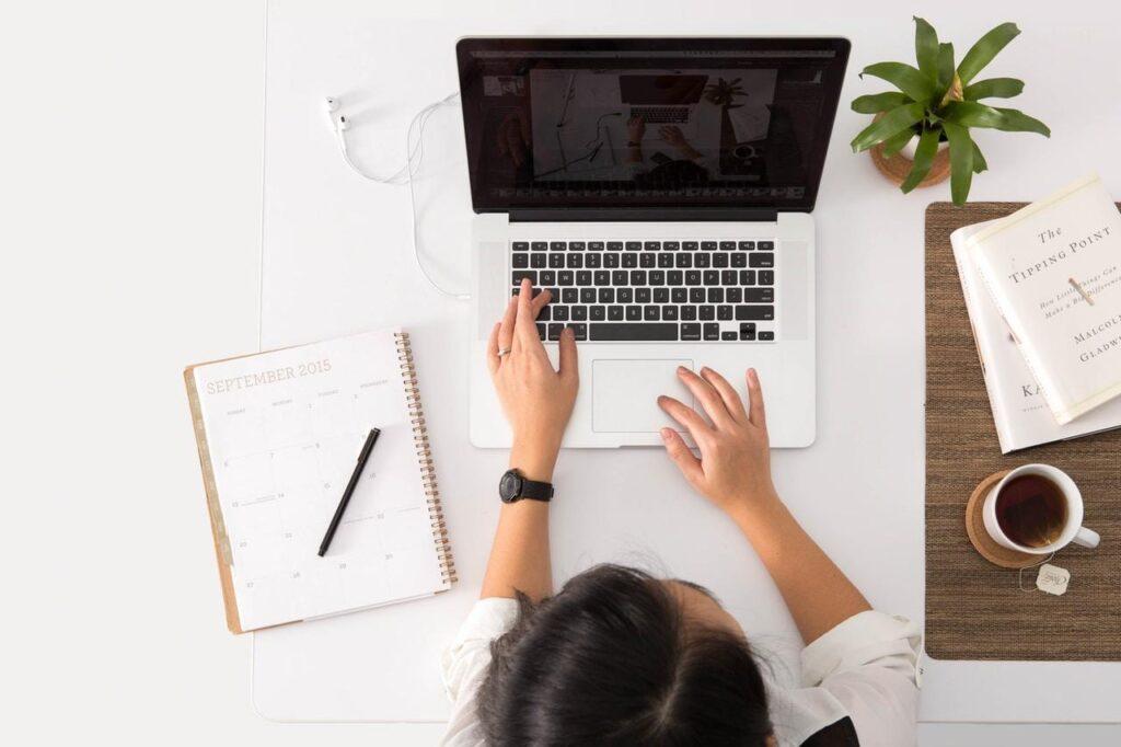 Laptop do nauki i pracy